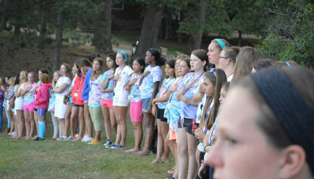 campers saying pledge of allegiance