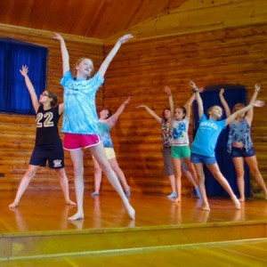 campers choreographing a dance