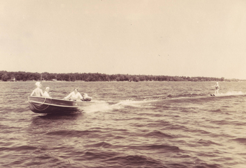 WeHaKee waterskiing 1958
