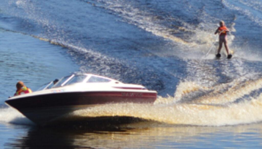 waterskiing2